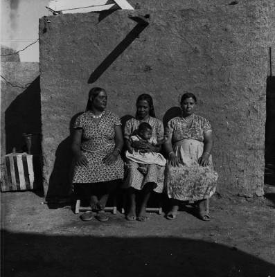 GAD-024 Trois femmes au mur