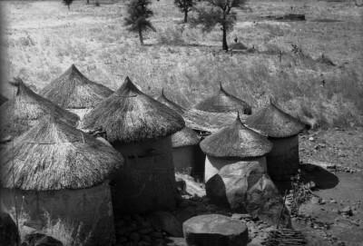Gads 51-7 Huttes Nuba