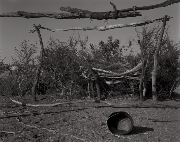 100-1. Horse's Shelter / Wadi Misteriha / Western Darfur / Nov 2004